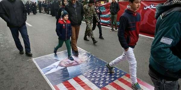 """El País #1 Patrocinador Del Terrorismo Grita """"muerte A Estados Unidos"""" Y Critica Al Presidente Trump"""
