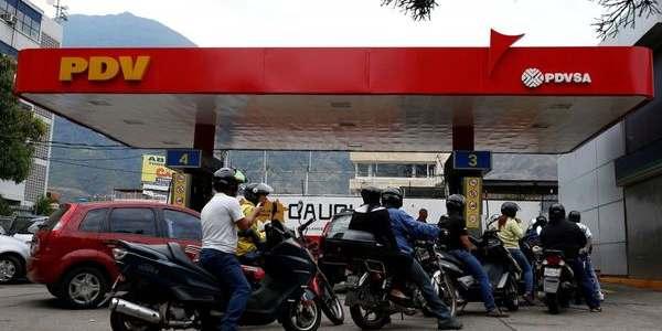 Venezuela, El País Del Petróleo, Se Quedó Sin Gasolina Para Su Ciudad Capital.