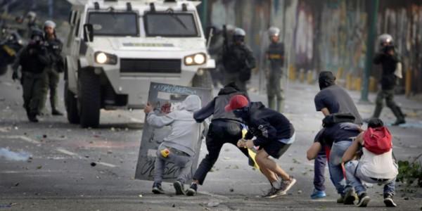 Tres Muertos En Masiva Jornada De Protestas En Venezuela.