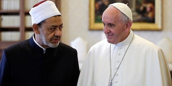 """Ahmed Al-Tayeb, Gran Imán De Egipto: """"Los Cristianos Son Libres De Irse Del País Si No Les Agrada Nuestra Forma De Vivir El Islam"""""""