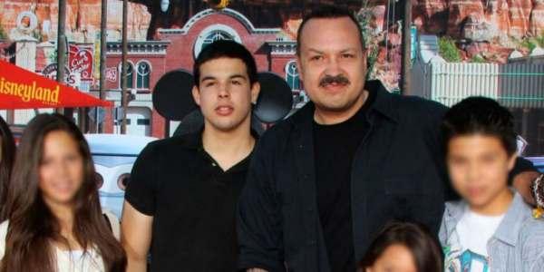 Arrestan A Hijo De Famoso Cantante Mexicano Por Traficar Inmigrantes A EE.UU.
