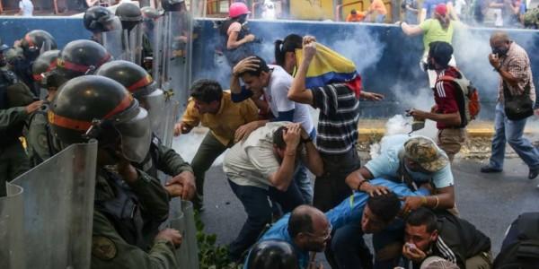 CONTINUAN LAS MARCHAS DE PROTESTA CONTRA MADURO EN VENEZUELA