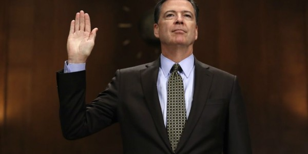 El Embarazoso Testimonio De James Comey – VIDEO
