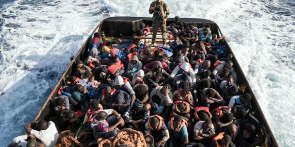 Más De 8.000 Ilegales Invaden Italia En Las últimas 48 Horas, La Gran Mayoría Procedentes De África, Siria, Irak Y Bangladesh.
