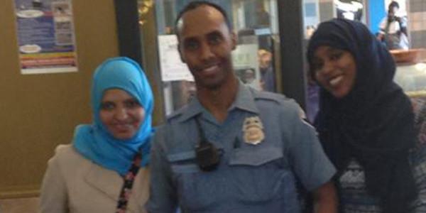 Sigue El Misterio Alrededor Del Crimen Racista En Minneapolis: El Policía Somalí Que Asesinó A La Australiana Se Niega A Declarar.