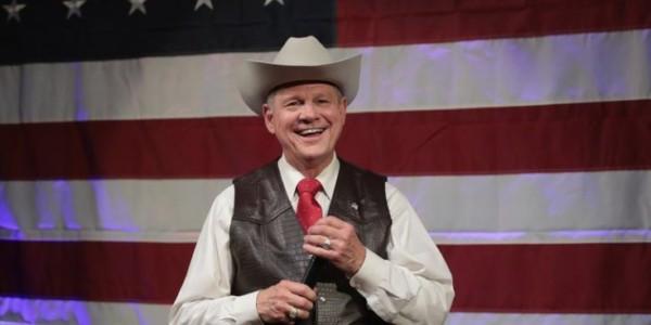 Moore Gana A Republicano Tradicional En Primarias En Alabama
