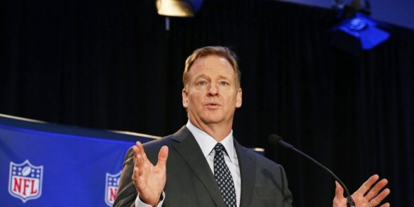 NFL Advierte Que Protestas Durante El Himno Nacional No Pueden Seguir.