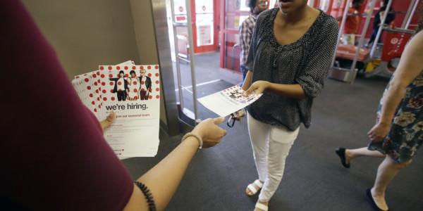 EEUU: Se Crean 261.000 Empleos En Octubre, Tras Huracanes.