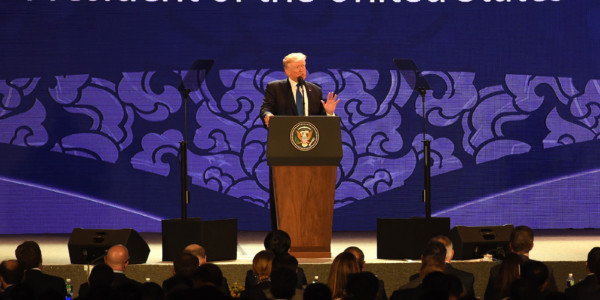 """Trump Declara Que El Desequilibrio Comercial Entre China Y EE.UU. Es """"inaceptable"""" Para Washington."""