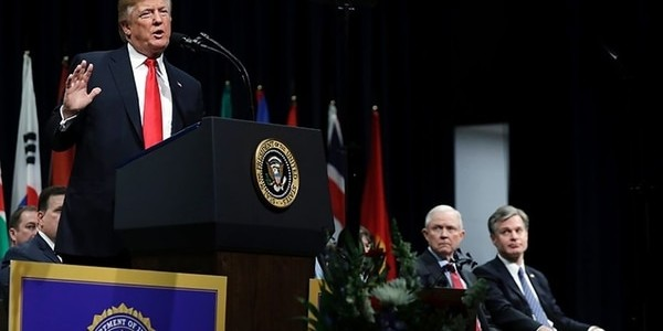 """Donald Trump: """"Los Criminales Que Matan Policías Deberían Ser Condenados A Muerte"""""""
