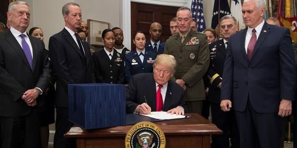 """Donald Trump Firmó La Ampliación Del Presupuesto Militar A USD 700.000 Millones: """"Restauraremos El Poderío De EEUU"""""""