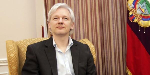 Ecuador Otorga Ciudadanía A Assange Tras 5 Años De Asilo En Su Embajada .
