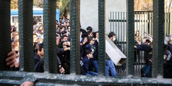 """El Régimen Iraní Amenaza A Los Mil Detenidos Con La Pena De Muerte Por """"enemistad Con Dios"""""""