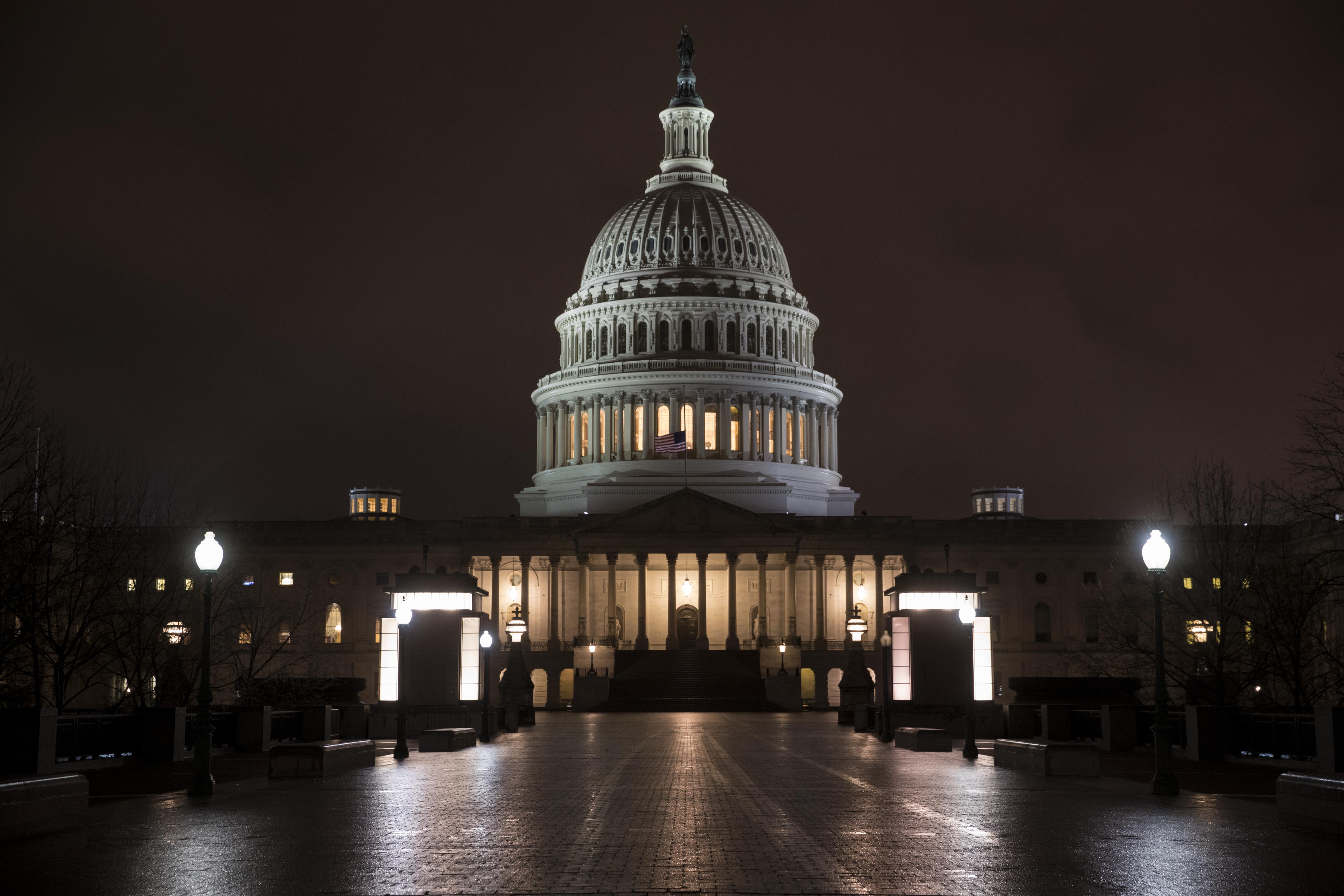 Líderes Finalizan La Negociación Presupuestaria En EEUU.