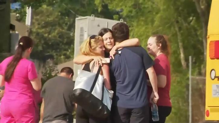 Un Alumno De 17 Años Mata A 9 Compañeros Y Un Profesor En Un Tiroteo En Un Instituto De Santa Fe.
