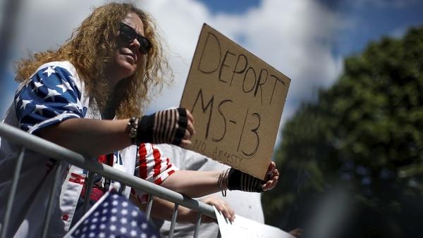 Donald Trump Amenaza Con Reducir La Ayuda A Los Países Que No Detengan La Inmigración Ilegal De Miembros De La Mara Salvatrucha.