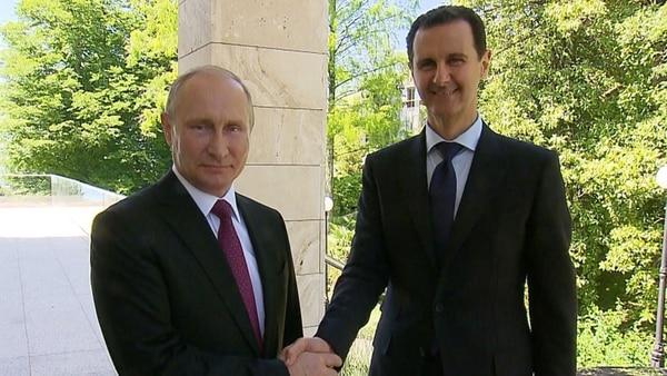 Vladimir Putin Y Bashar Al Assad Se Reunieron En Rusia Por Primera Vez Tras Los Ataques Químicos En Siria Y El Bombardeo Aliado.