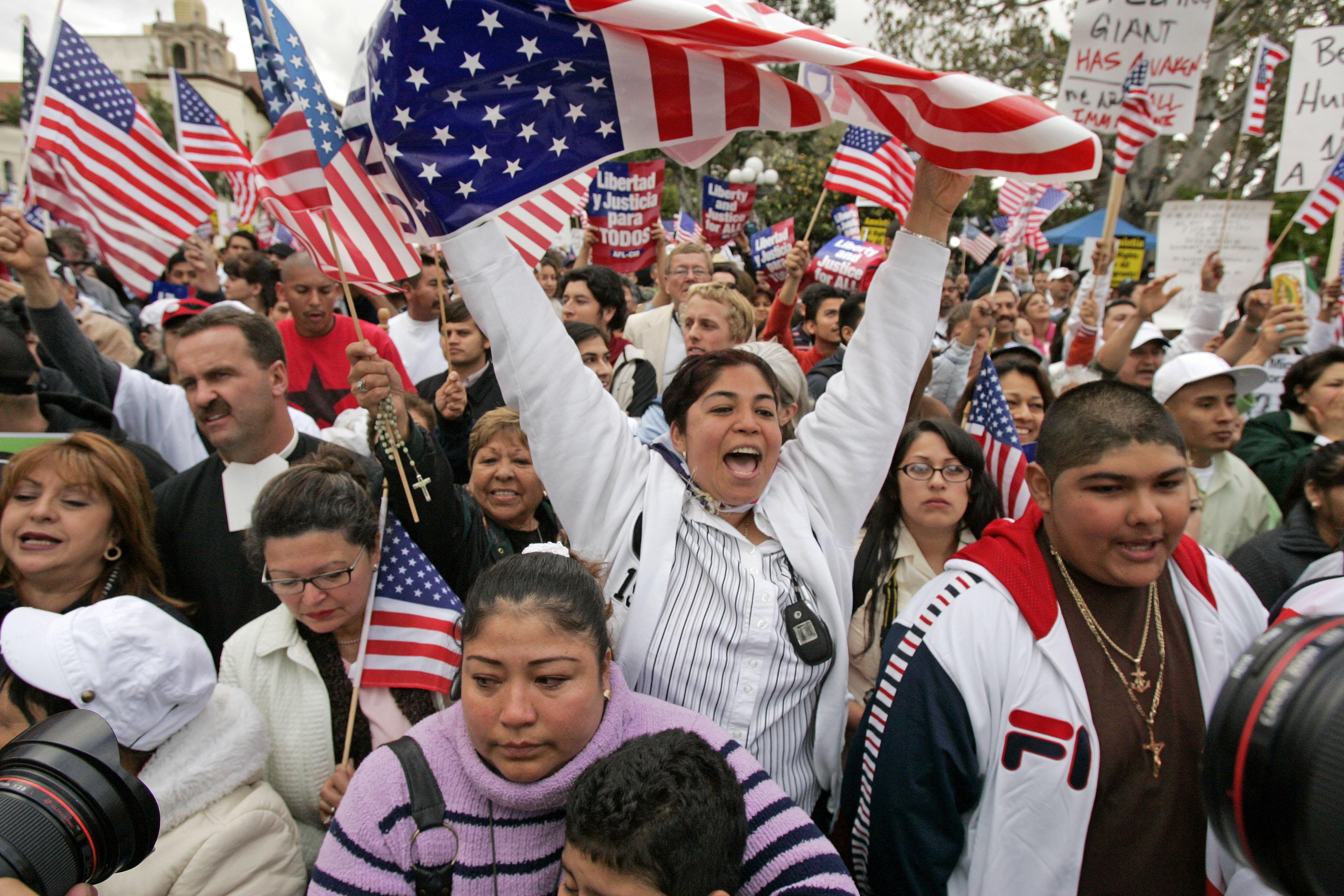 La Población Hispana De EE.UU. Crece Un 2,1 % Hasta 58,9 Millones De Personas.