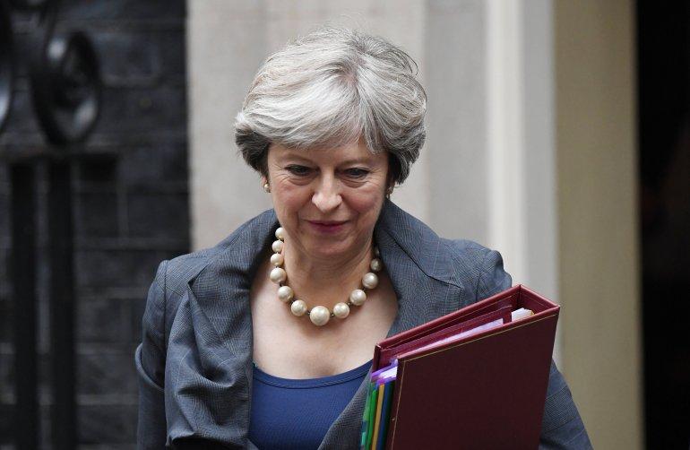 """Gobierno De May En Crisis Tras Renuncia De Ministros Por """"Brexit"""""""