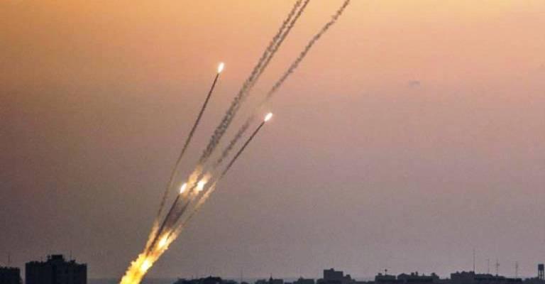 ÚLTIMA HORA: Hamas Lanza Esta Noche Más De 150 Cohetes Contra El Sur De Israel ….. Y Esto No Para.