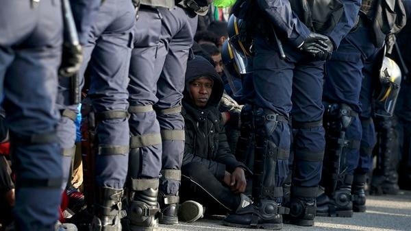 La Unión Europea Analiza Que Su Guardia Fronteriza Llegue A 10.000 Efectivos Para Contener La Inmigración.
