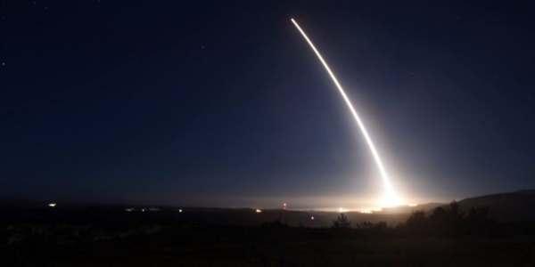 Gobierno De EE.UU. Revisa Desempeño De Sus Armas Nucleares.