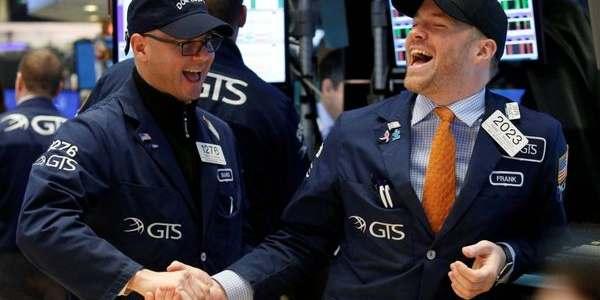 Tras El Discurso De Trump En El Capitolio, El Dow Jones Superó Los 21.000 Puntos Por Primera Vez En Su Historia