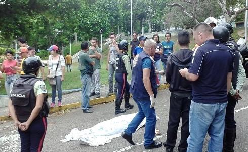 """María Corina Machado: """"Minutos Antes De Morir, Paola Ramírez Llamó A Su Padre Y Le Dijo Que Los Colectivos Chavistas La Estaban Atacando"""""""
