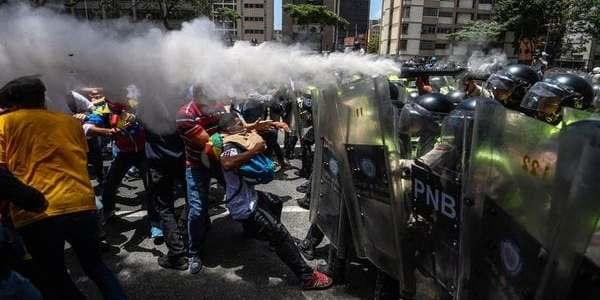 La Oposición Venezolana Denunció Que Hubo Más De 40 Heridos Por La Represión Del Régimen Chavista