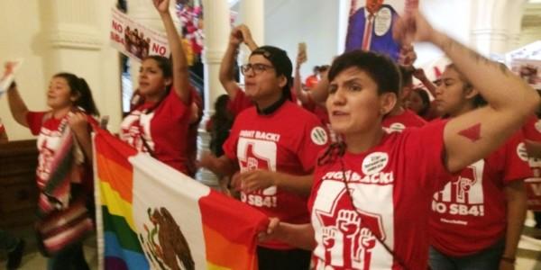 Demócratas Promueven Inmigración Ilegal Y Desorden En Texas.