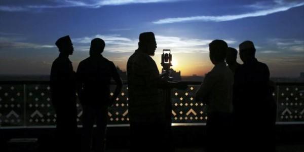 El Ramadán Comienza En Oriente En Plena Lucha Contra El Terrorismo Yihadista.