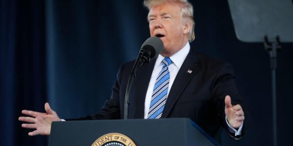 """Trump: """"No Adoramos Al Gobierno, Adoramos A Dios"""""""