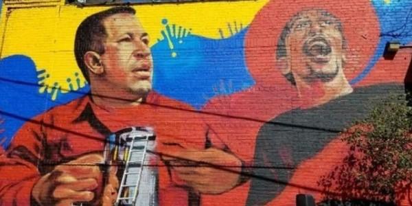 """Venezolanos En Nueva York Recogen Firmas Para Remoción De Mural De Hugo Chávez, """"dictador"""" Y """"asesino"""""""