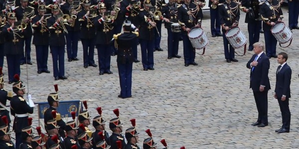Trump Y Macron Escenifican Gran Complicidad En La Fiesta Nacional En París.