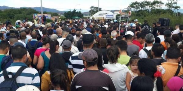 Éxodo Masivo De Venezolanos A Días De Constituyente: 26 Mil Cruzaron A Colombia En Travesía De Más De 12 Horas.