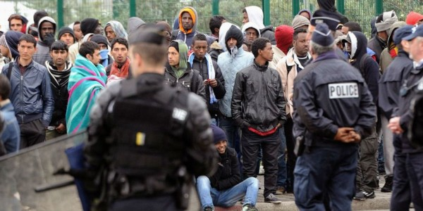 """Francia Presenta Plan Para Expulsar """"sistemáticamente"""" A Inmigrantes Indocumentados."""