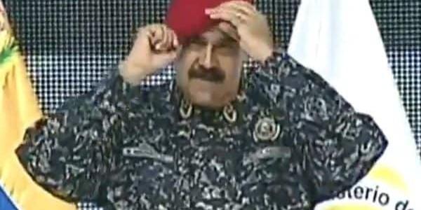 """Nicolás Maduro Se Probó El Nuevo Uniforme De La Policía Venezolana, Con Camuflaje Militar: """"Me Parezco A Saddam Hussein"""""""