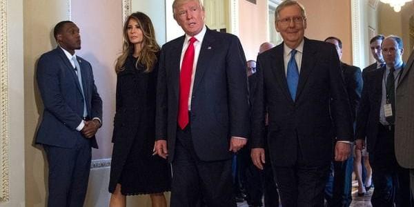 Donald Trump Arremetió Contra El Líder Republicano Del Senado Por El Obamacare.