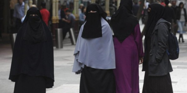 Irán Se Mantiene Firme En Prohibir Entrada De Mujeres En Los Estadios De Fútbol.