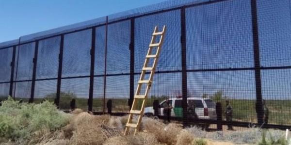 Comenzaron A Construir Los Prototipos Del Muro Entre México Y Estados Unidos.
