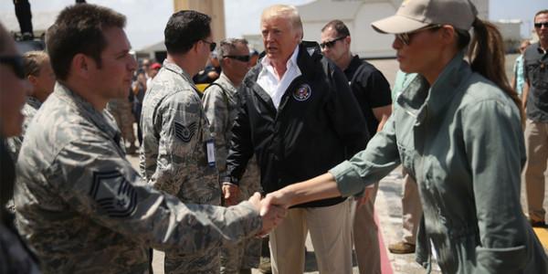 Donald Trump Llegó Puerto Rico Para Revisar Los Daños Y La Ayuda Enviada Tras El Huracán María.