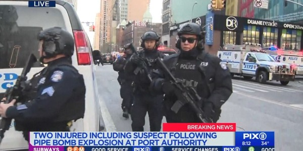 Policía Investiga Explosión En El Terminal De Autobuses Port Authority En Nueva York.