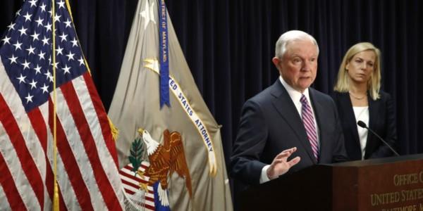 """Sessions: """"MS-13 Se Ha Aprovechado De Fallas En Nuestras Leyes De Inmigración"""""""