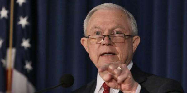 Administración Trump Pide A Los Tribunales Revisión Eficiente De Casos De Inmigración.