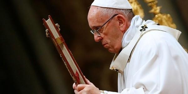 Más De Dos Mil Musulmanes Convertidos Al Catolicismo Critican Al Papa Francisco.