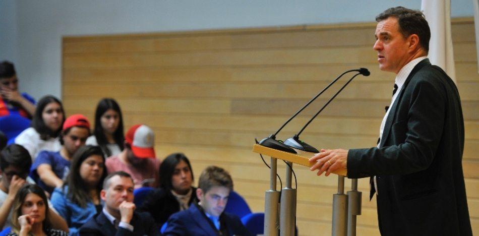 """Niall Ferguson: """"Las élites De La Izquierda Viven Como Capitalistas Mientras Critican El Mercado"""""""
