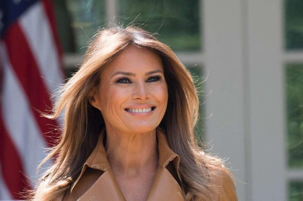 """Primera Dama De EEUU Melania Trump Dice Sentirse """"muy Bien"""" Tras Cirugía."""