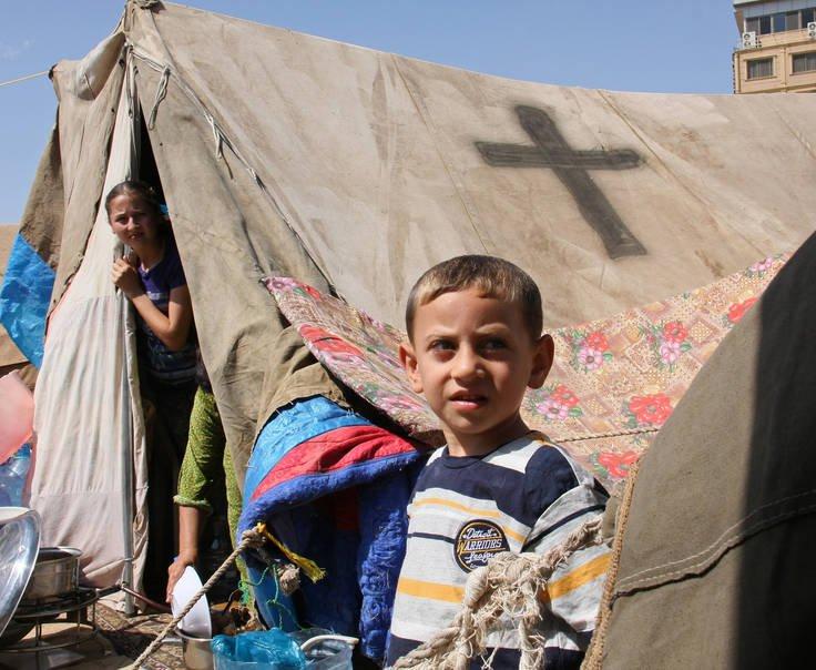 Reino Unido Rechaza Refugiados Cristianos Recomendados Por La ONU, Admite Que Solo Atendieron A 1,112 Musulmanes Sirios Entre Enero Y Marzo.