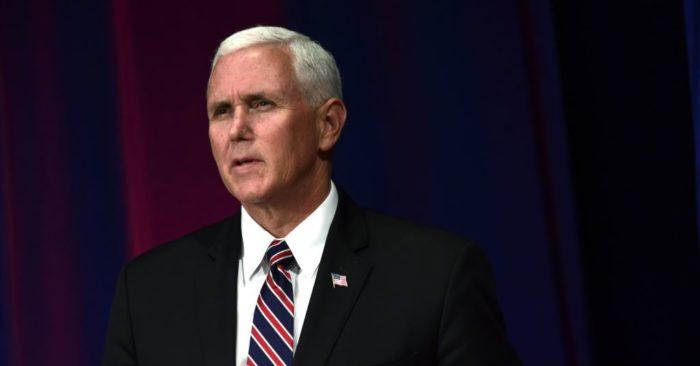 El Vicepresidente De Estados Unidos Mike Pence Condena A Maduro Por Medidas Económicas.