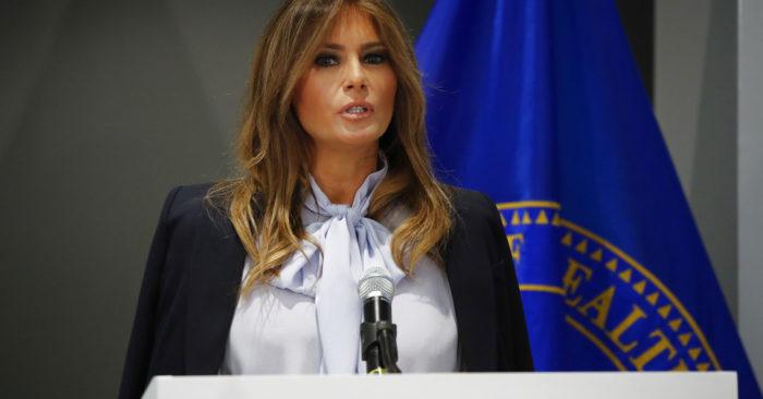Melania Trump Pide Ayuda Para Combatir El Acoso Cibernético Entre Jóvenes.